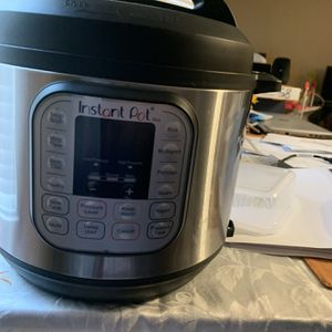 Instant Pot Used Once. for Sale in Houston, TX