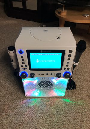 Karaoke speaker With its light with USB and auxiliary microphone balance. for Sale in Washington, DC