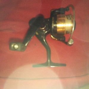 Brand New Shakespeare Spinning Reel Model 2500 for Sale in Los Angeles, CA