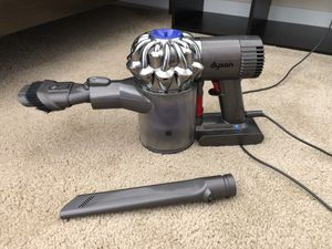 Dyson Handheld Cordless DC58 Animal Vacuum for Sale in Broomfield, CO