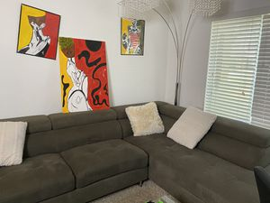 Sectional couch with organizer holders for Sale in Plantation, FL