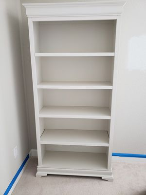 5 shelf bookcase for Sale in Chesapeake, VA