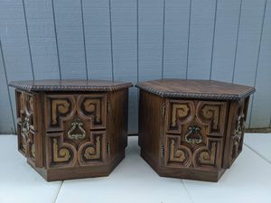 Beautiful Vintage End Tables w/ storage for Sale in Woodbridge, VA