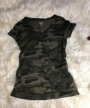 Camo t shirt size Xs for Sale in Houston, TX