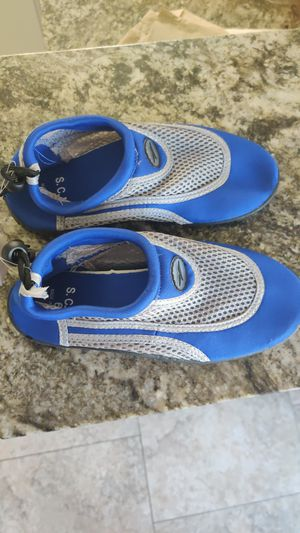 New Swim & trail Shoes Size 6 for Sale in Glendale, AZ