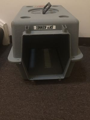 PetMate Sky Kennel for Small Dog or Cat (needs work) for Sale in Mount Prospect, IL