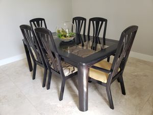 Dining table 6 chairs for Sale in Tampa, FL