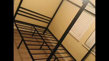 New Queen Size Canopy Bed Frame for Sale in Fresno,  CA