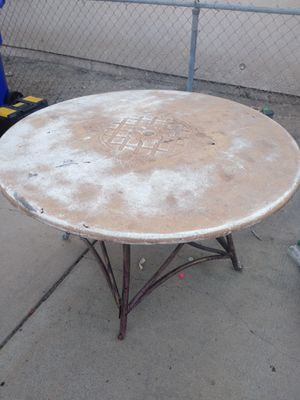 Free table for Sale in Fontana, CA
