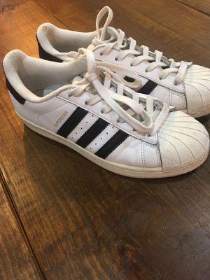 Adidas Superstars Women's size 7 for Sale in Miami, FL