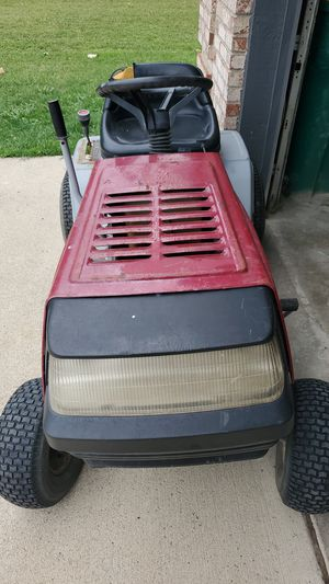 Signature 2000 Elite Tractor for Sale in New Boston, MI