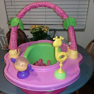 Baby Sit Up Chair for Sale in Hesperia, CA