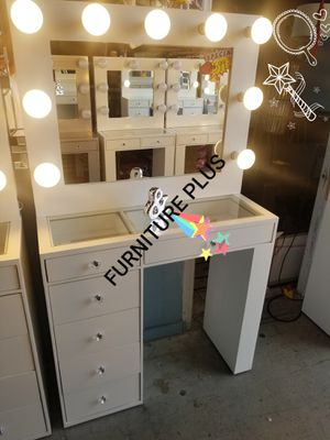 Hollywood Vanity makeup all icons on Buenas Tardes komasan different colors financing available no credit needed 🤩 from $199 for Sale in Escondido, CA