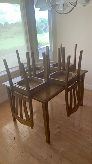 Kitchen table set (table and 4 chairs) for Sale in Apopka, FL