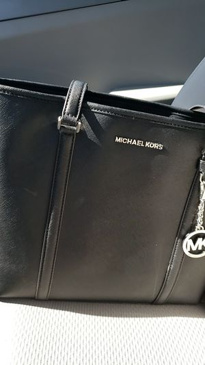 Michael Kors Tote Bag for Sale in Phoenix, AZ