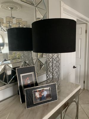 Modern table lamps pair from El Dorado for Sale in Hialeah, FL