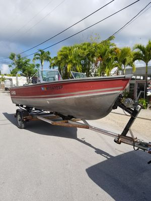 17 ft Lund Boat Johnson for Sale in Hialeah, FL