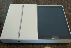 IPad 32G 6th Generation Tablet for Sale in VLG OF LAKEWD, IL
