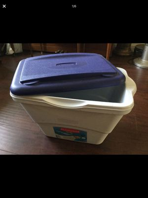 Rubbermaid cooler for Sale in Westminster, CA
