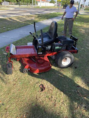 Tractor marca toro plato de 51 pulgada {305/;:632:::6347} Julio Anytime for Sale in Miami, FL