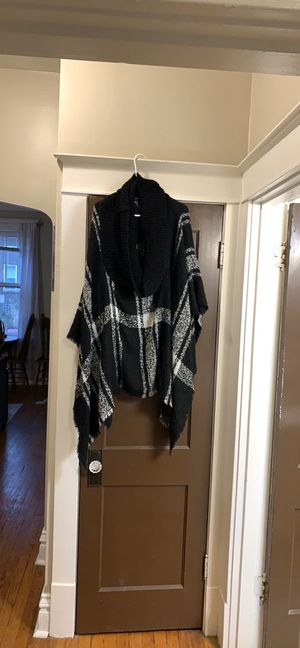 Sweater Poncho for Sale in St. Louis, MO