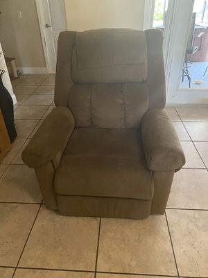 Medical lift recliner for Sale in St. Cloud, FL