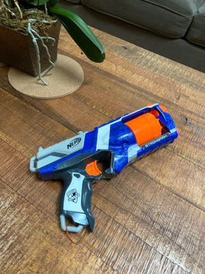 Strongarm nerf gun, comes with full mag for Sale in Raleigh, NC