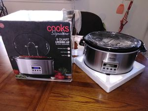 8 quart crock pot for Sale in Columbus, OH