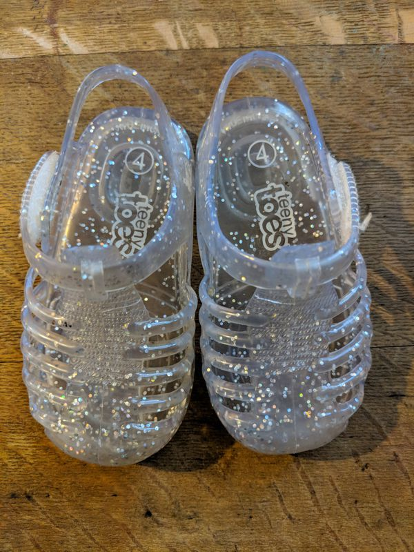 Little girl shoes/Size 4c