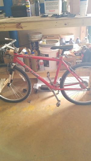 Raleigh moutain bike for Sale in San Marcos, TX