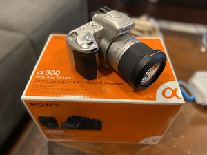 Sony a300 dslr camera with 18 to 70 lens for Sale in Fort Lee, NJ