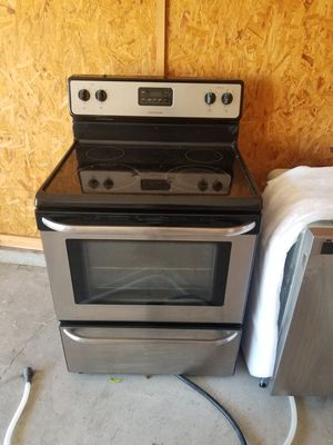 STAINLESS STEEL FRIGIDAIRE REFRIGERATOR for Sale in Jacksonville, FL