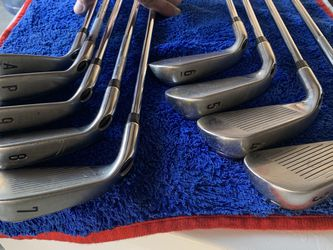 Callaway Razor X Irons RH Reg Flx 4-AW for Sale in Victorville,  CA