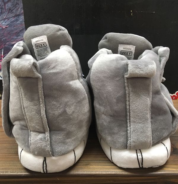 8d683f439922 Medium UZZY Main Stage Sneaker Slipper for Sale in Los Angeles