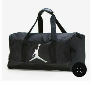Duffle bag for Sale in Ocoee, FL