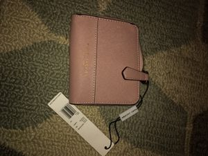 Marc Jacobs baby pink small wallet for Sale in Rockville, MD