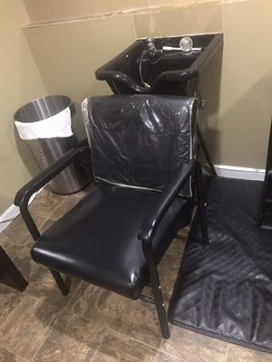 Shampoo bowl and chair I have 3 for Sale in Annandale, VA