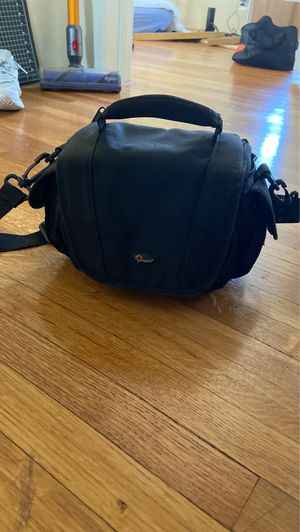 Lowepro Camera Case Small for Sale in Los Angeles, CA