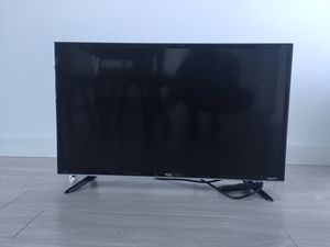 Roku Smart LED TV (TCL brand, 32-inch 720p, 2015 Model) for Sale in Miami, FL