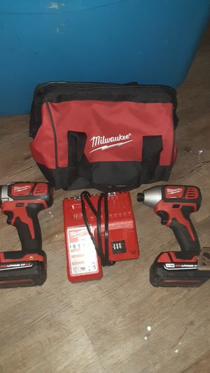 """Milwaukee m18 lithium 1/2"""" drill driver and 1/4"""" hex impact driver combo kit for Sale in Vero Beach, FL"""