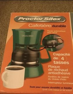 Coffee maker (4 glasses capacity) proctor silex for Sale in Hillsboro,  OR
