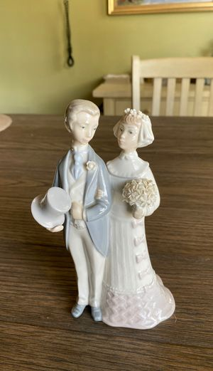 Lladro Bride and Groom Figurine The Wedding Spain for Sale in OSBORNVILLE, NJ