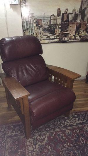 Mission style leather La-Z-Boy for Sale in Wichita, KS