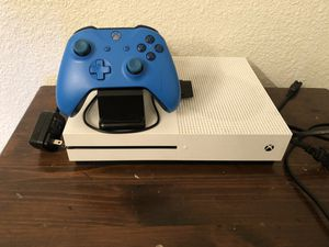 Xbox One S W/ Accessories for Sale in Goodyear, AZ