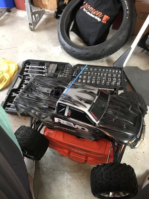 Traxxas revo 3.3 for Sale in Zephyrhills, FL