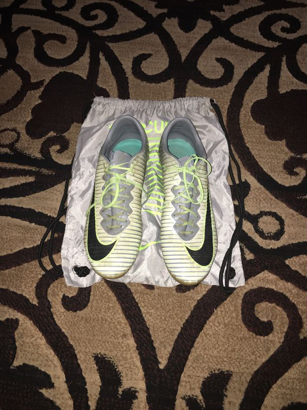 Nike Soccer cleats AG size 11