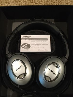BOSE Noise Cancelling Headphones With Microphone for Sale in Louisville, KY
