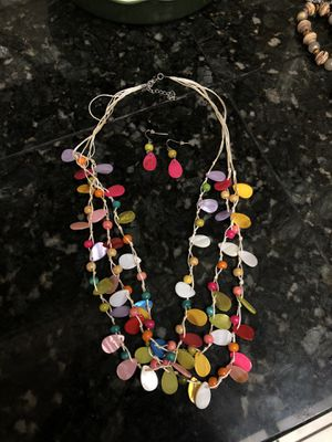 Hot pink multi color set of necklace and earrings for Sale in Flint, TX