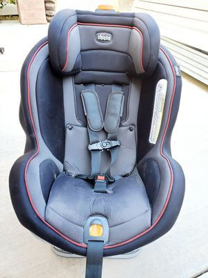 Chicco Car seat for Sale in Moreno Valley, CA