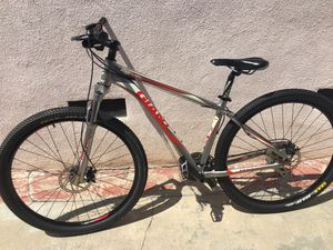 """Giant Revel 29"""" Mountain Bike for Sale in Los Angeles, CA"""